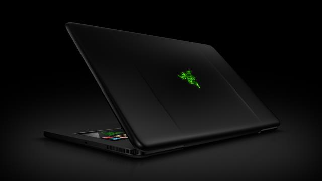 Razer Blade notebook สำหรับนักเล่นเกม สเปคสุดแรง กับดีไซน์สุดล้ำ