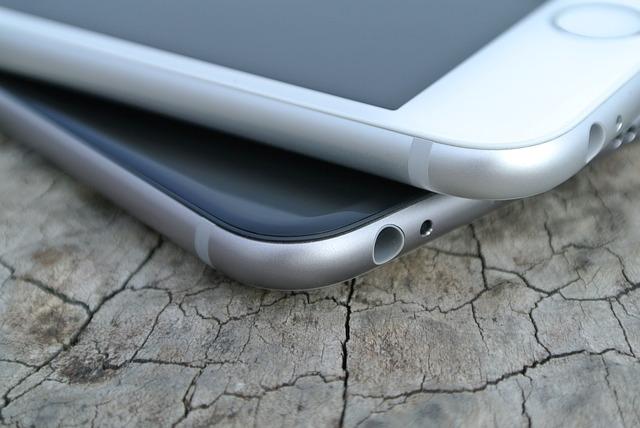 ลือ Apple iPhone 2021 อาจจะมาพร้อมกับ Face ID และ Touch ID ที่จอ